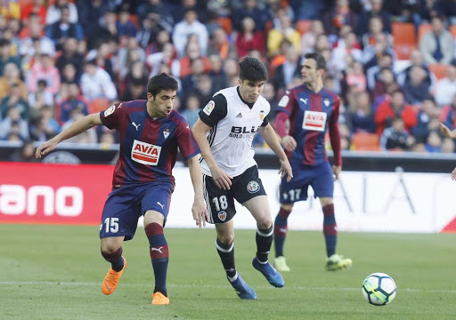 Soi kèo Eibar vs Valencia