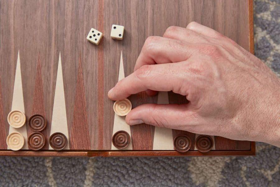 luật di chuyển backgammon rules