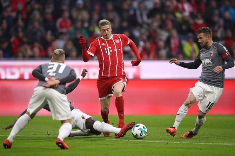 Soi kèo Augsburg vs Bayern