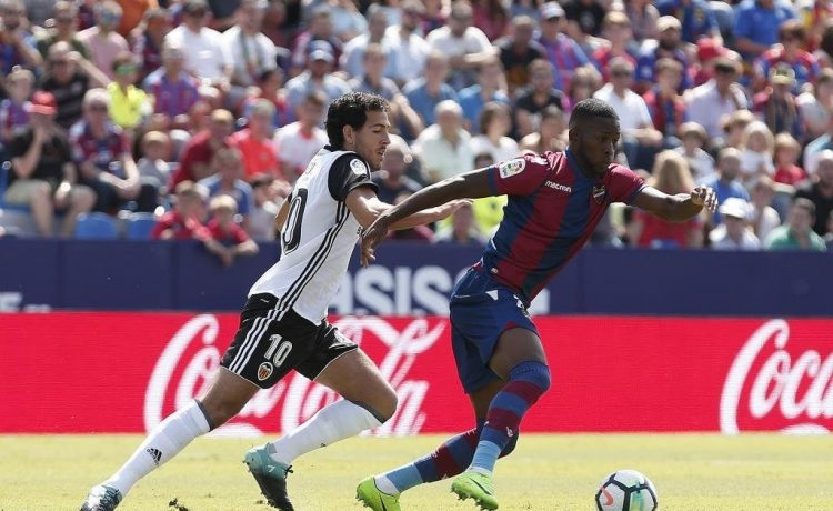 Soi kèo Levante vs Valencia